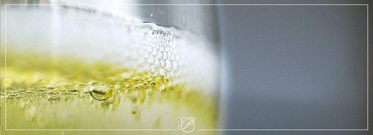 Distinguer champagnes Brut Réserve et Blanc de Blancs : des différences structurelles